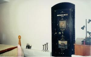 Safe/ Closet Door